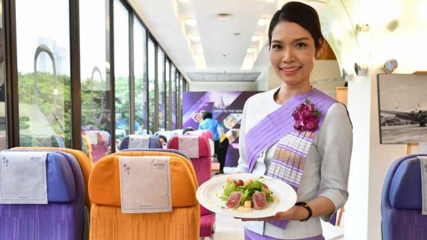 Restoran Pop – Up Bertema Pesawat ala Thai Airways