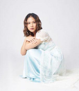Cerita Sosok Ibu, Nadin Amizah Rilis Video Musik Lagu Bertaut